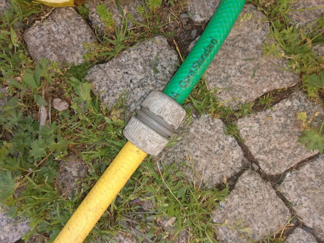 reparierter Gartenschlauch